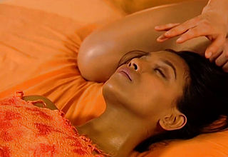 Sensual Massage For Intimate Girlfriends